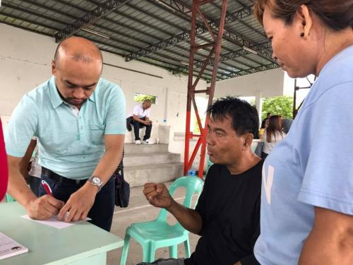 Mayor Cayabyab conducts 'Barangay Day' (3)