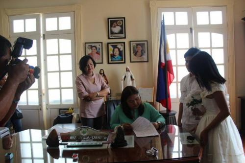 Wedding Solemnized by Mayor Mylyn Pineda- Cayabyab with the assistance of the LCRO (10)