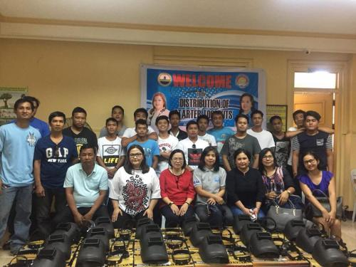 Lubao STEP Graduates receive Welding Machines